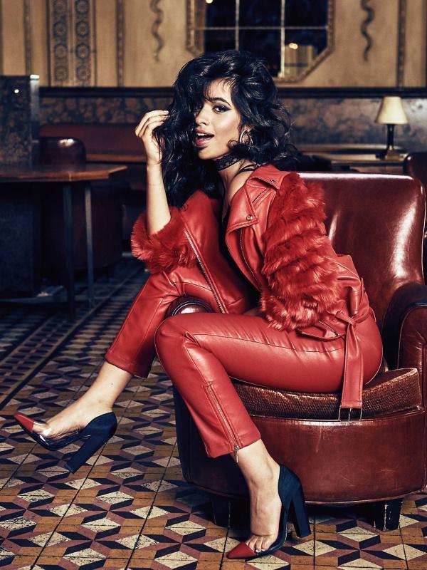 FOTO: VIDEO: Camila Cabello kao zaštitno lice GUESS Jeans Holiday 2017kampanje