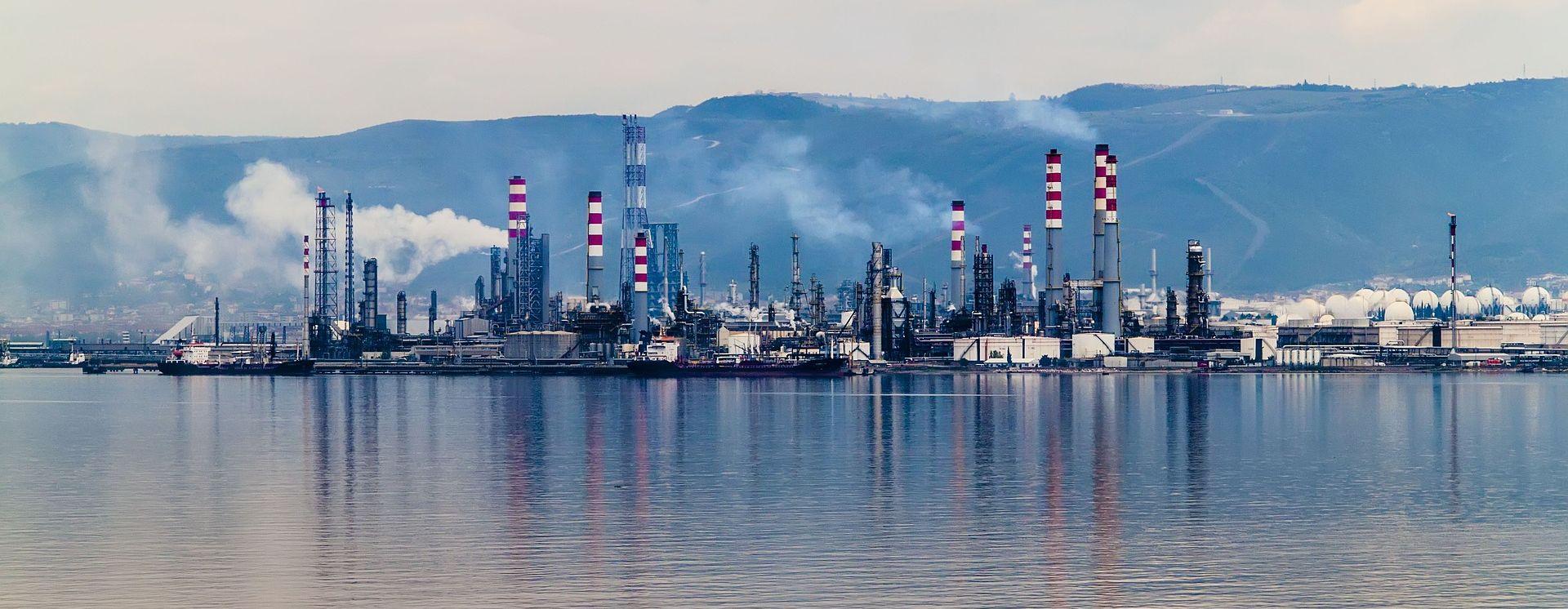 Ina obustavila isporuku plina Petrokemiji