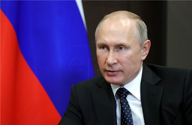 Opovrgnuti navodi da je Tihonova Putinova kći