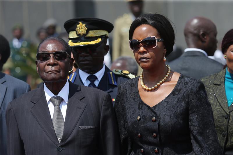 Mugabe u kućnom pritvoru nakon što je vojska preuzela vlast