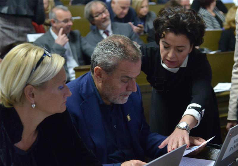 BANDIĆ 'Zagreb će prvi donijeti plan za gospodarenje otpadom i biti prvi po odvajanju otpada'