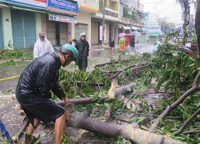 U Vijetnamu razorni Tajfun odnio najmanje 49 života
