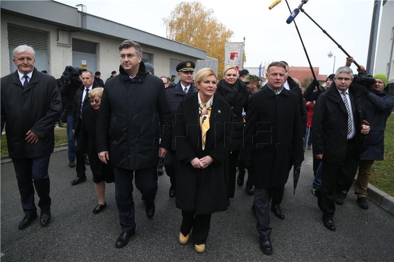 Predsjednica u Vukovar stigla u čizmama kakve su nosili hrabri branitelji