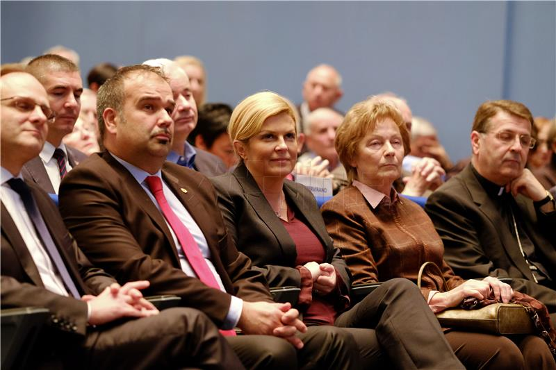 Rezultat slika za Tuđmanovo i Stepinčevo hrvatstvo'