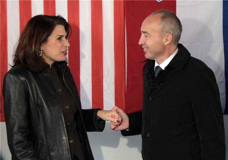 Hrvatska vojska preuzela inženjerijsku opremu koju je donirao SAD