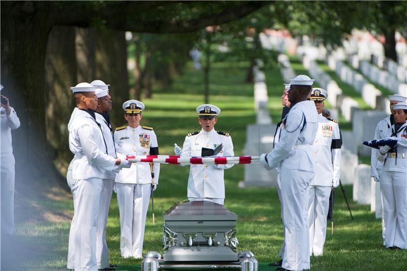 SAD jača vojsku, odobrili 700 milijardi dolara za obranu