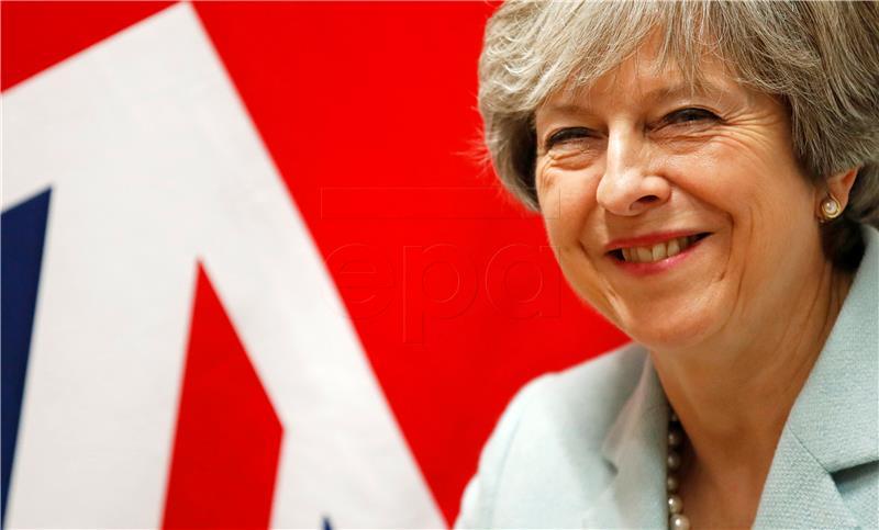 Britanska premijerka May sastala se s iračkim premijerom Abadijem u Bagdadu