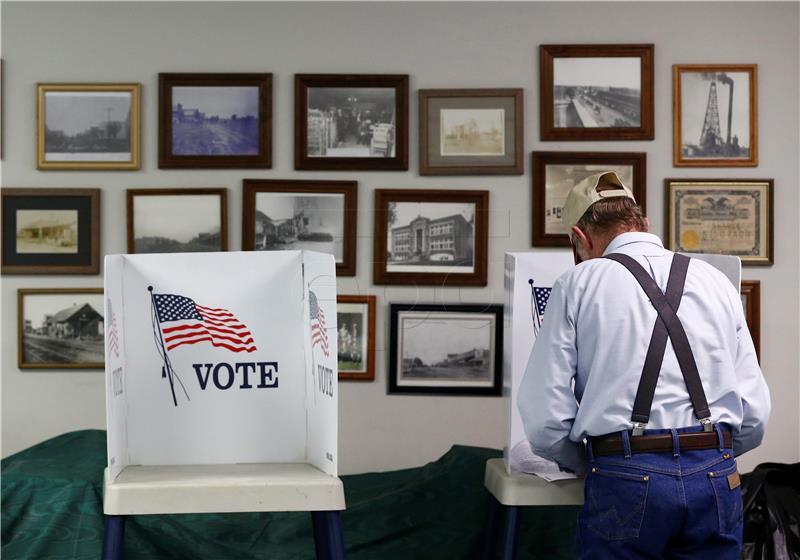 Američki glasači izlaze na prve izbore nakon Trumpove pobjede