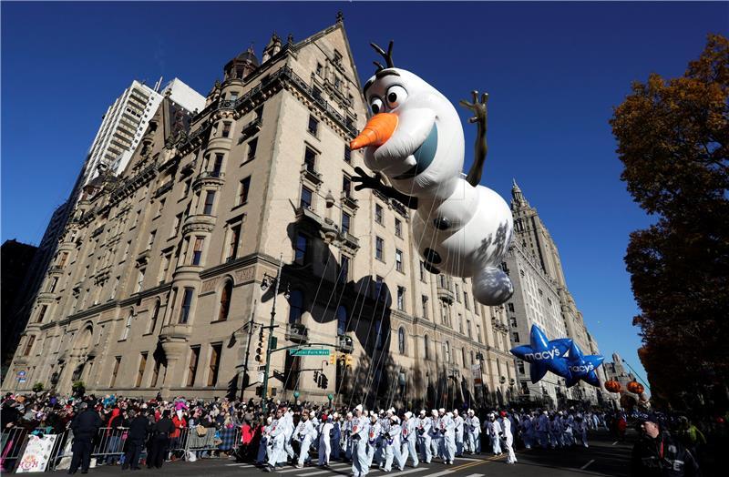 Više milijuna osoba u New Yorku na paradi za Thanksgiving