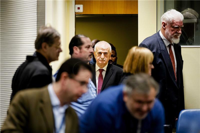 Odvjetnici hrvatske šestorice šokirani presudom i samoubojstvom Praljka