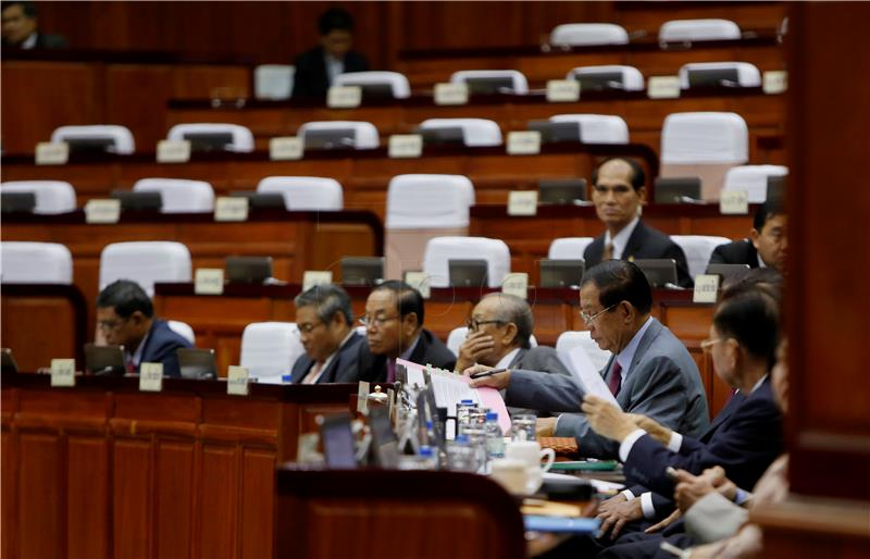 Kambodža zabranila oporbu