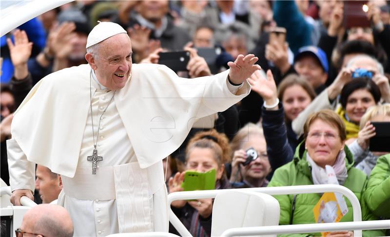 Papa kritizira neravnopravnost u pristupu zdravstvenoj skrbi