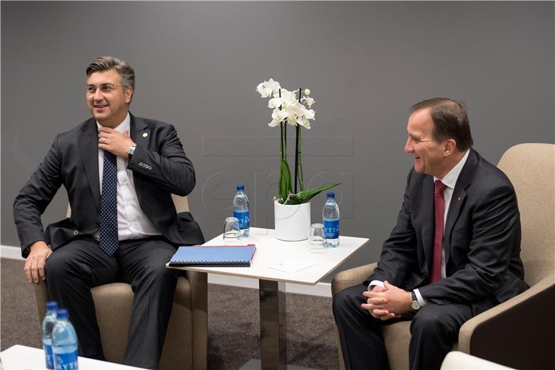 Plenković u Goeteborgu razgovarao sa švedskim kolegom Loefvenom i s hrvatskim iseljenicima