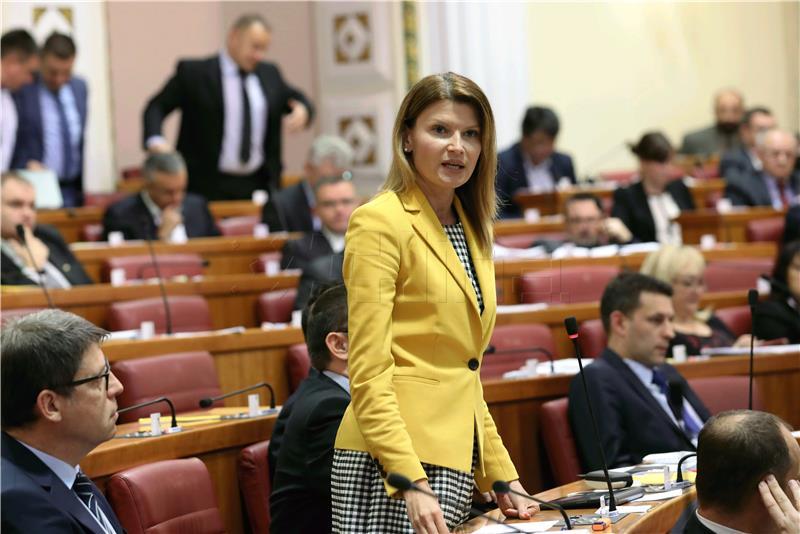 GLASOVAC 'Milas Klarić je politički smijenjena'