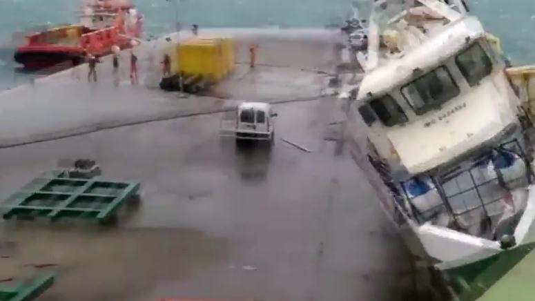 PULA Oko Uljanikova broda uočena plutajuća naftna mrlja