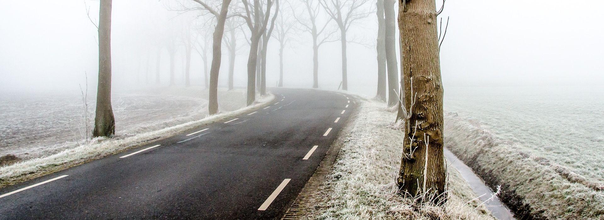 VOZAČI, OPREZ Gorski kotar i Lika pod snijegom, zimski uvjeti na cestama
