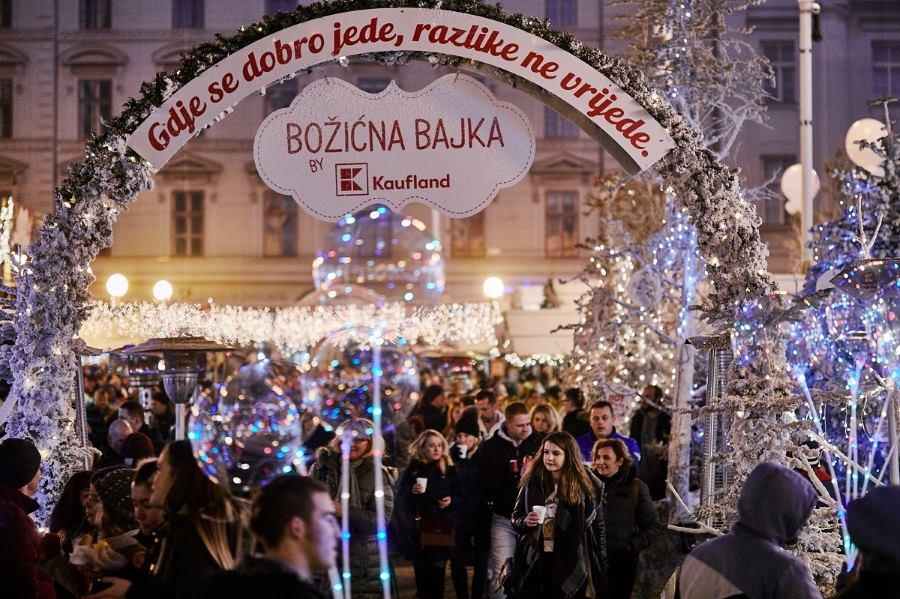 BOŽIĆNA BAJKA BY KAUFLAND Cjelodnevni glazbeni program za ispraćaj stare godine u centru Zagreba