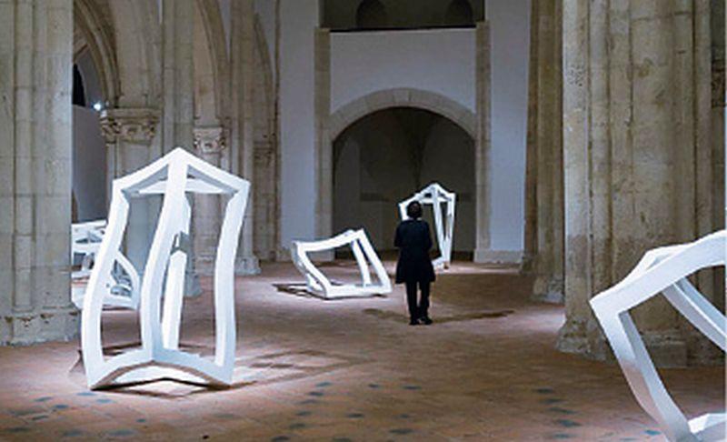 Krhki ali postojani život skulptura