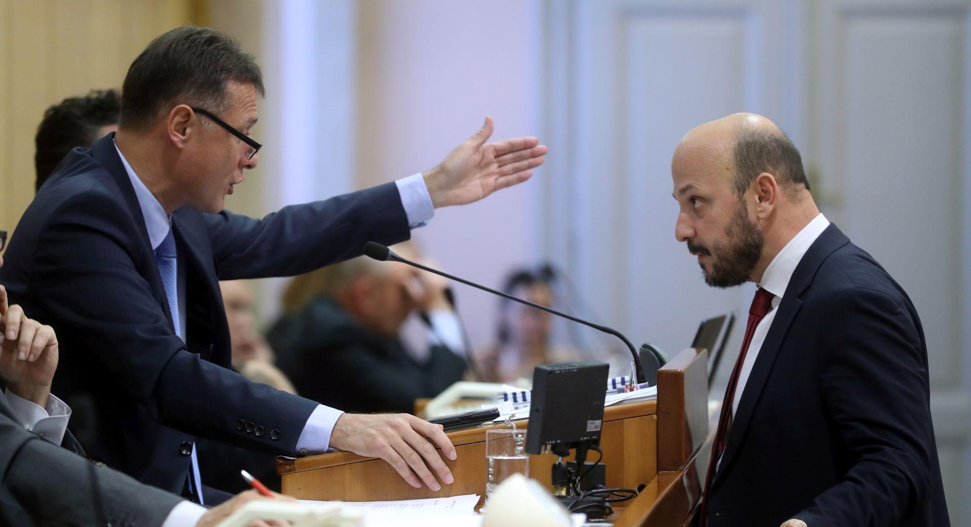 """MARAS ŽESTOKO PO HDZ-U """"Žele ušutkati zastupnike!"""""""