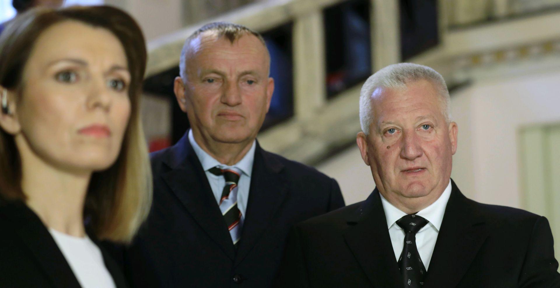 KREŠIĆ 'Ponašanje Predsjednice i premijera kaznit će birači'
