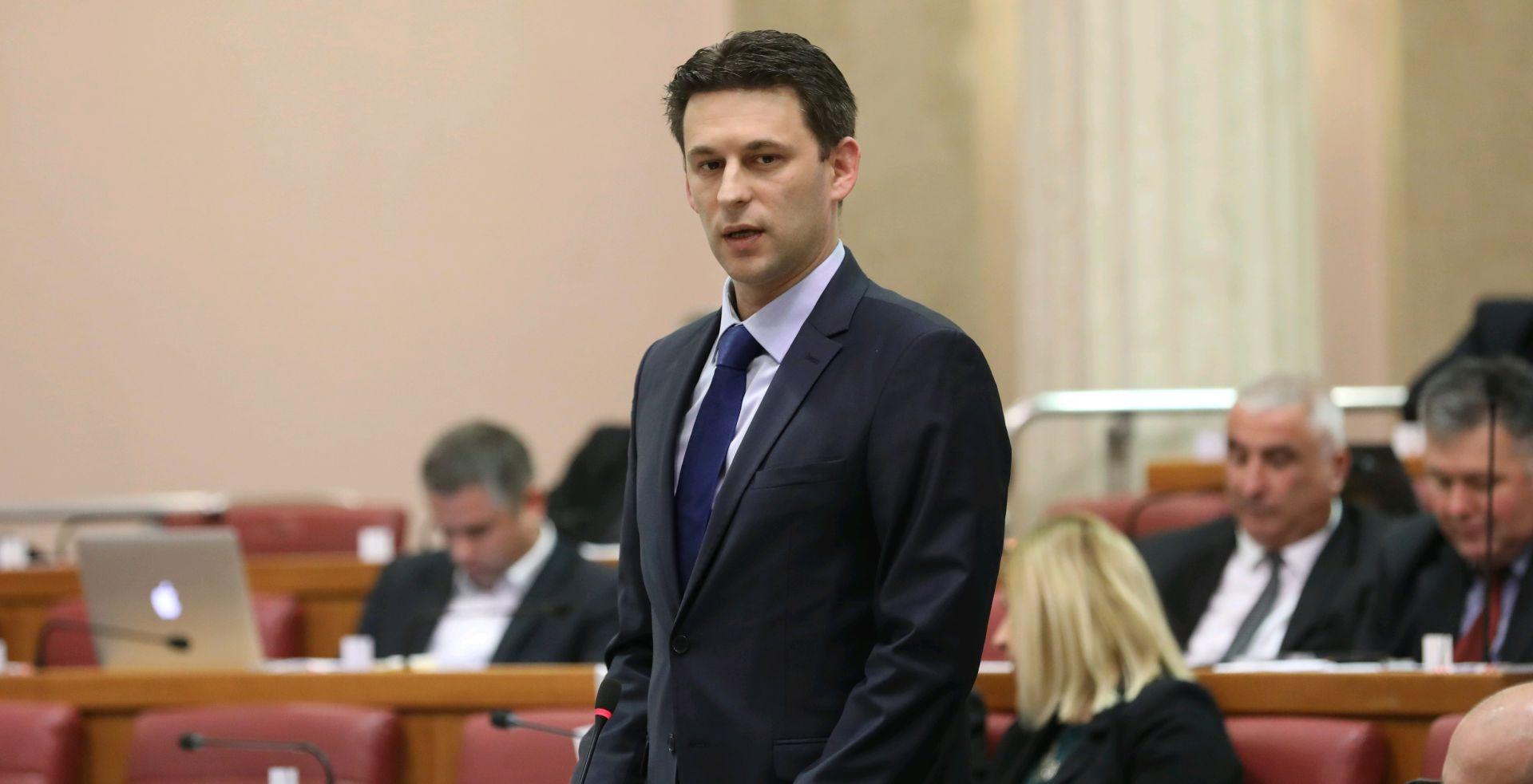 """UŽIVO: Petrov Bačiću """"Vi biste trebali voditi Ministarstvo za uljepšavanje stvarnosti"""""""