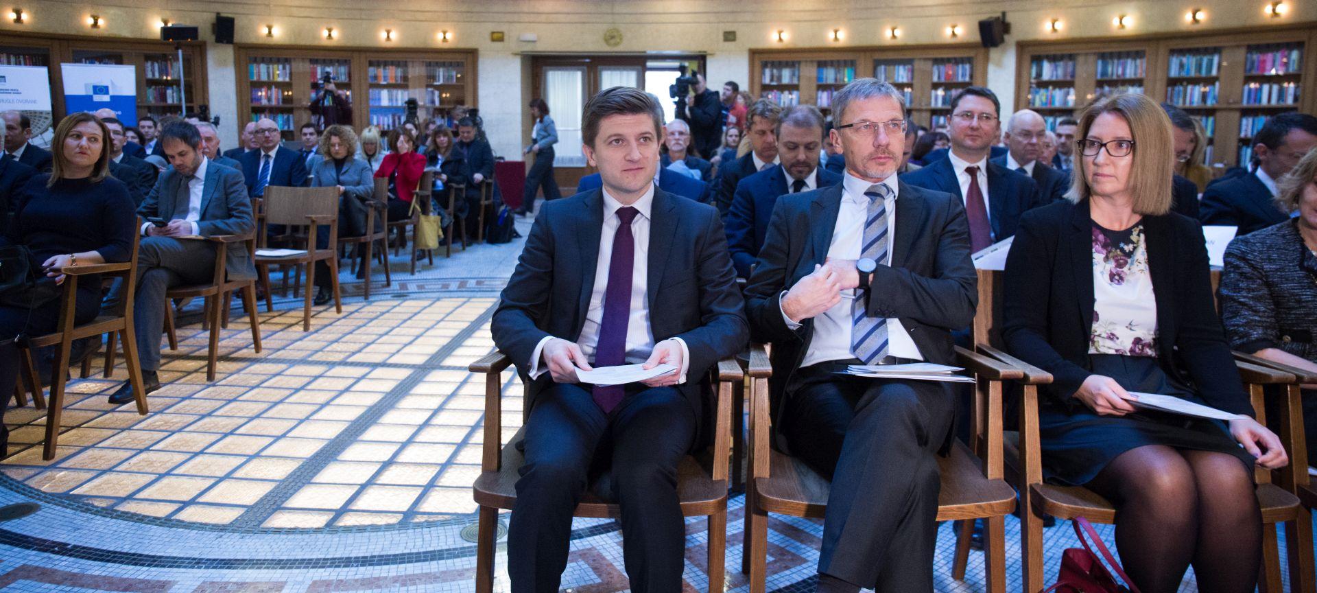 """Marić i Vujčić na konferenciji """"Gospodarski rast u EU"""""""
