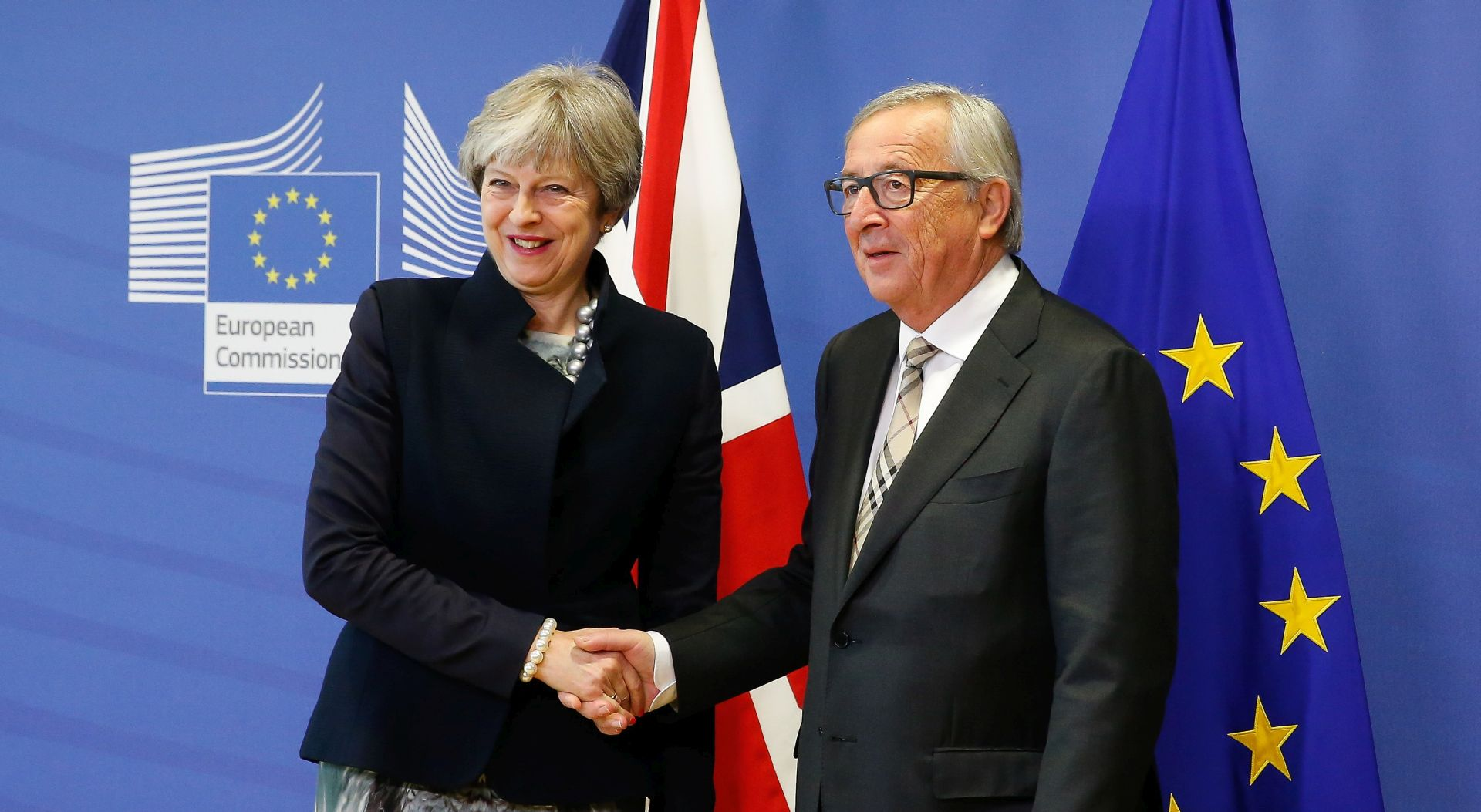 "MAY ""UK rame uz rame s EU-om i NATO-om"""