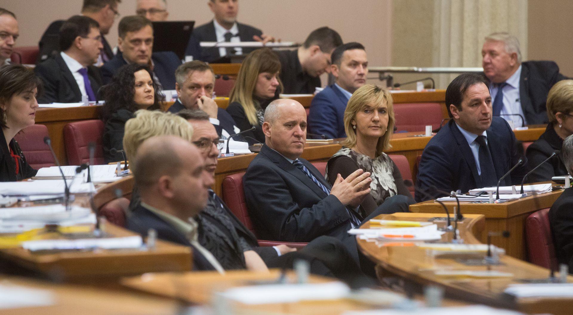 CMS: Hrvatska radije komemorira mir i slavi rat