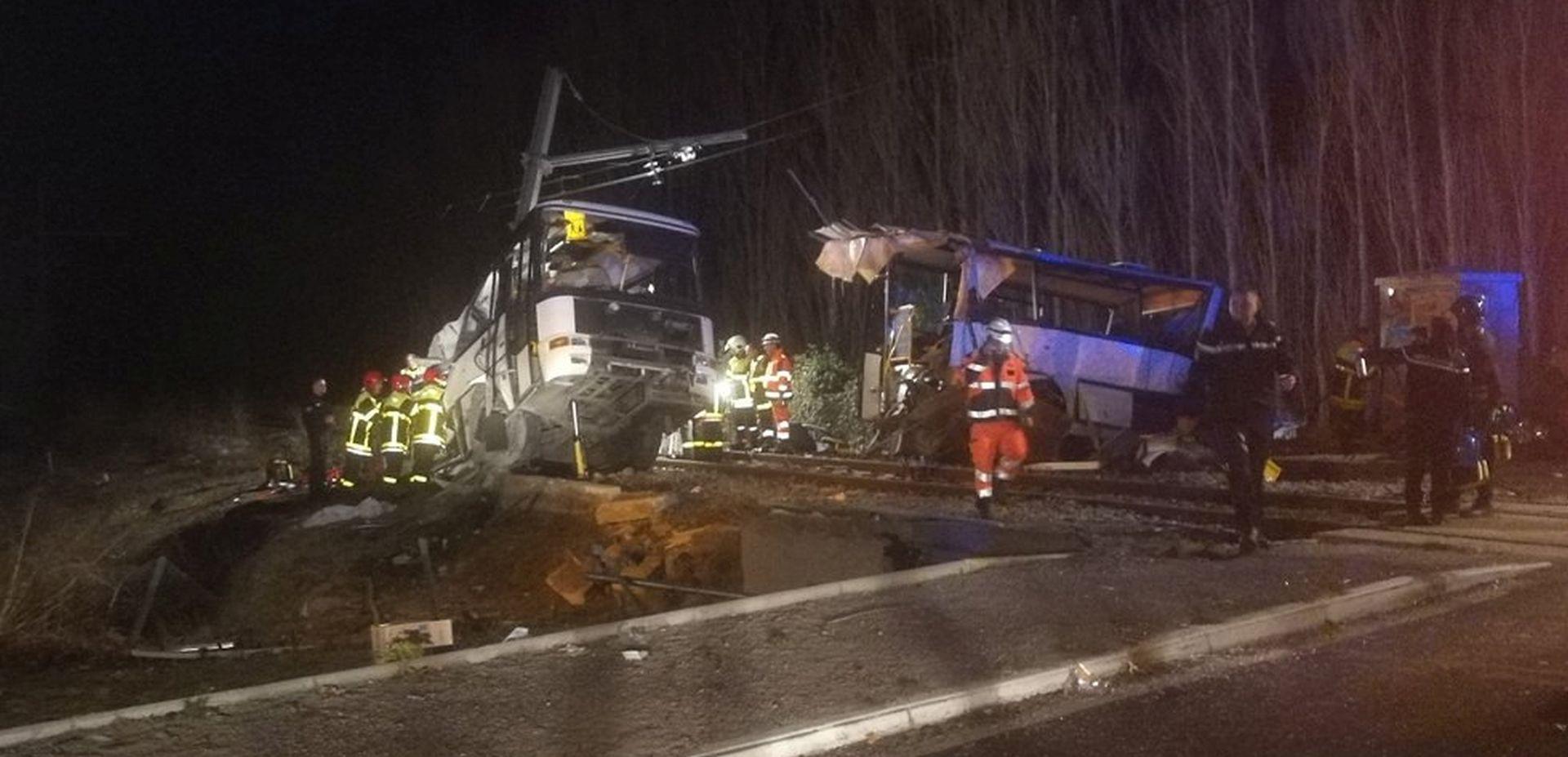 NOVI DETALJI U teškoj nesreći u Francuskoj poginula 4 učenika, još 20 ozlijeđenih