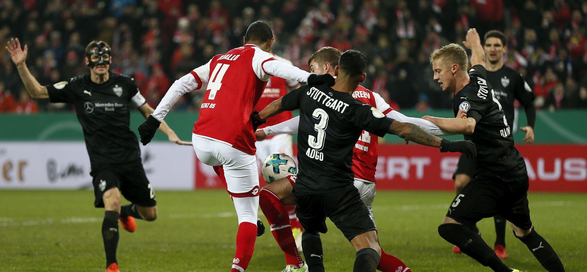 DFB POKAL Mainz izbacio Stuttgart, u četvrtfinalu i trećeligaš Paderborn