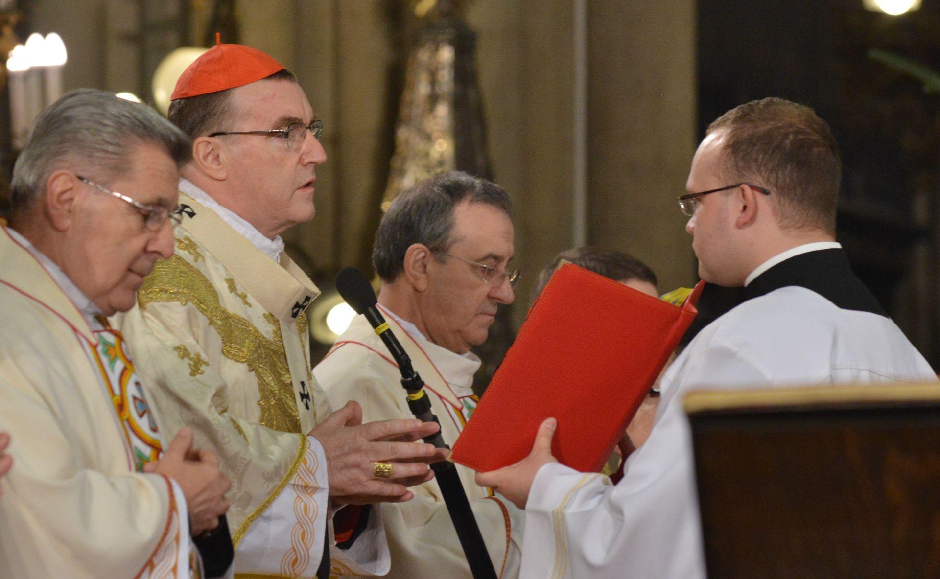 Kardinal Bozanić čestitao izborniku Daliću i Vatrenima