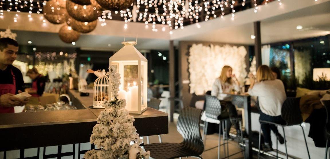 FOTO: HUGO'S BAR Zimska čarolija s borovima, pahuljama i mnoštvom lampica