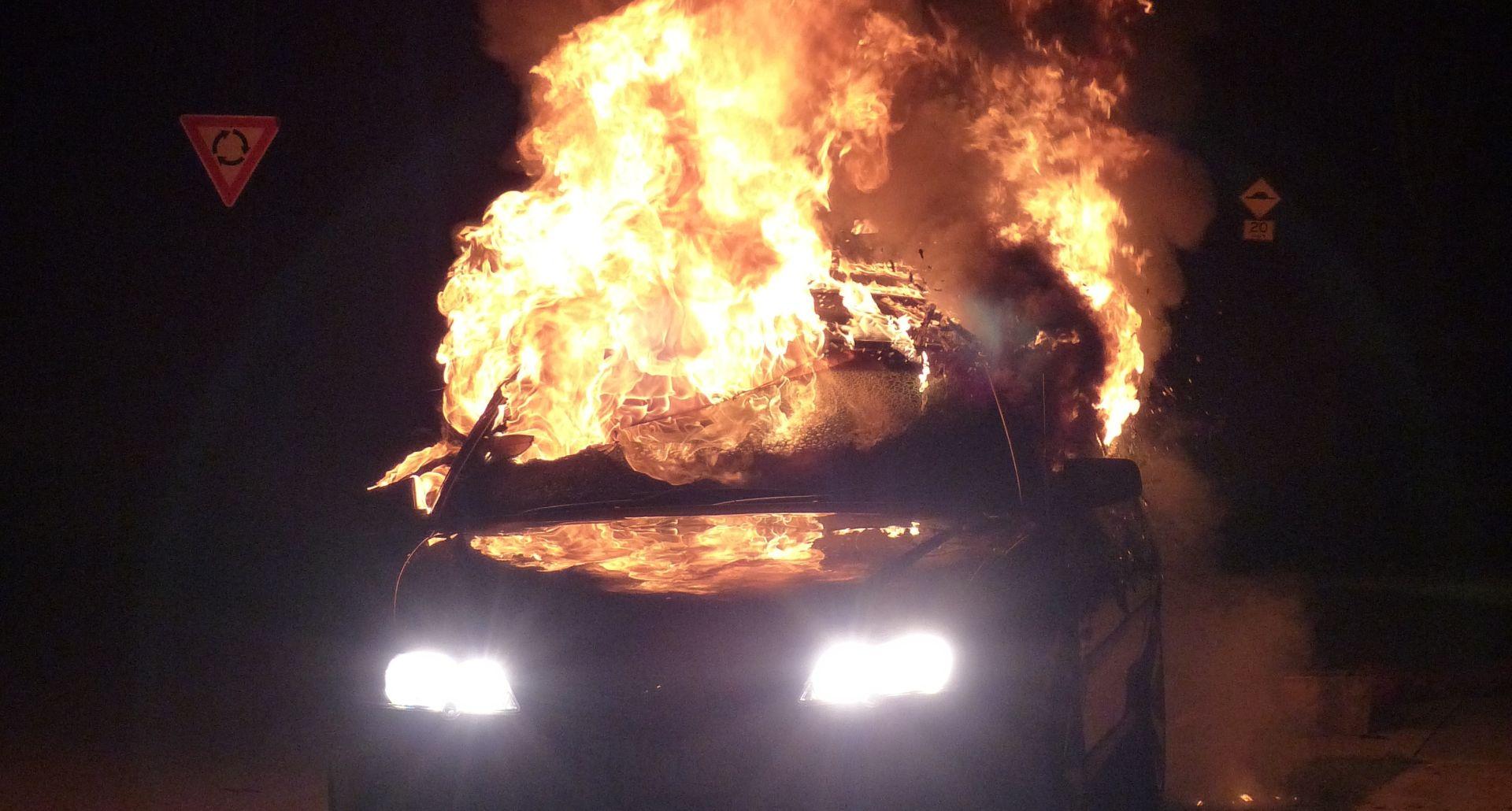 Na Vrbanima izgorio automobil Dinamovog direktora sigurnosti
