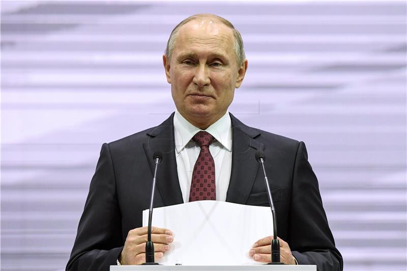 Putin proglasio 'kompletnu pobjedu' na obje strane Eufrata u Siriji