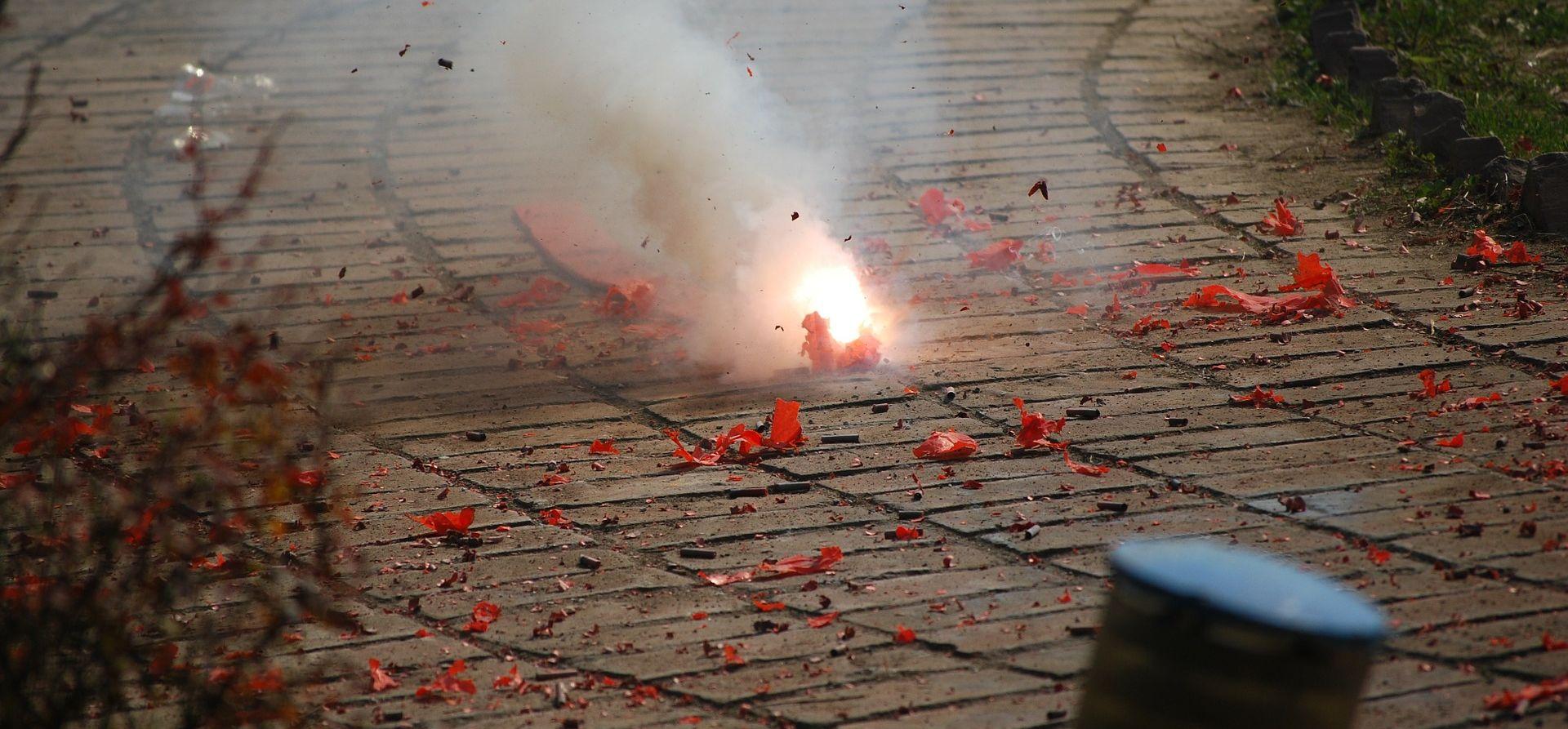 DOLAZI 'DOBA' PIROTEHNIKE Započinje akcija 'Mir i dobro'
