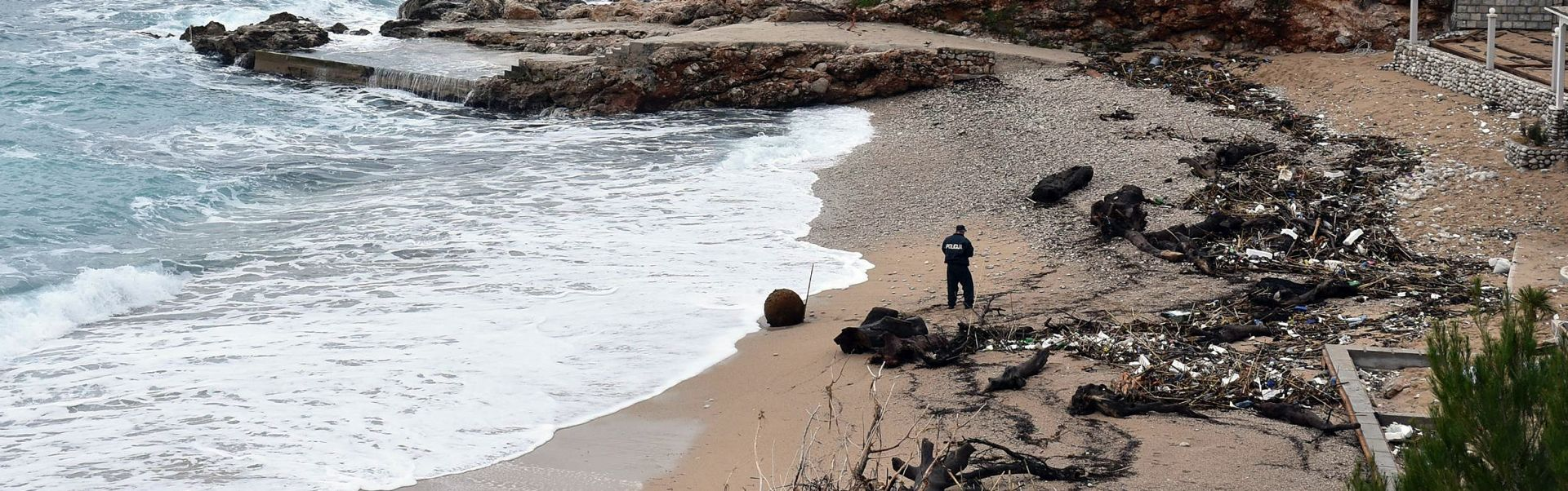 WW II More na dubrovačku plažu Banje izbacilo minu