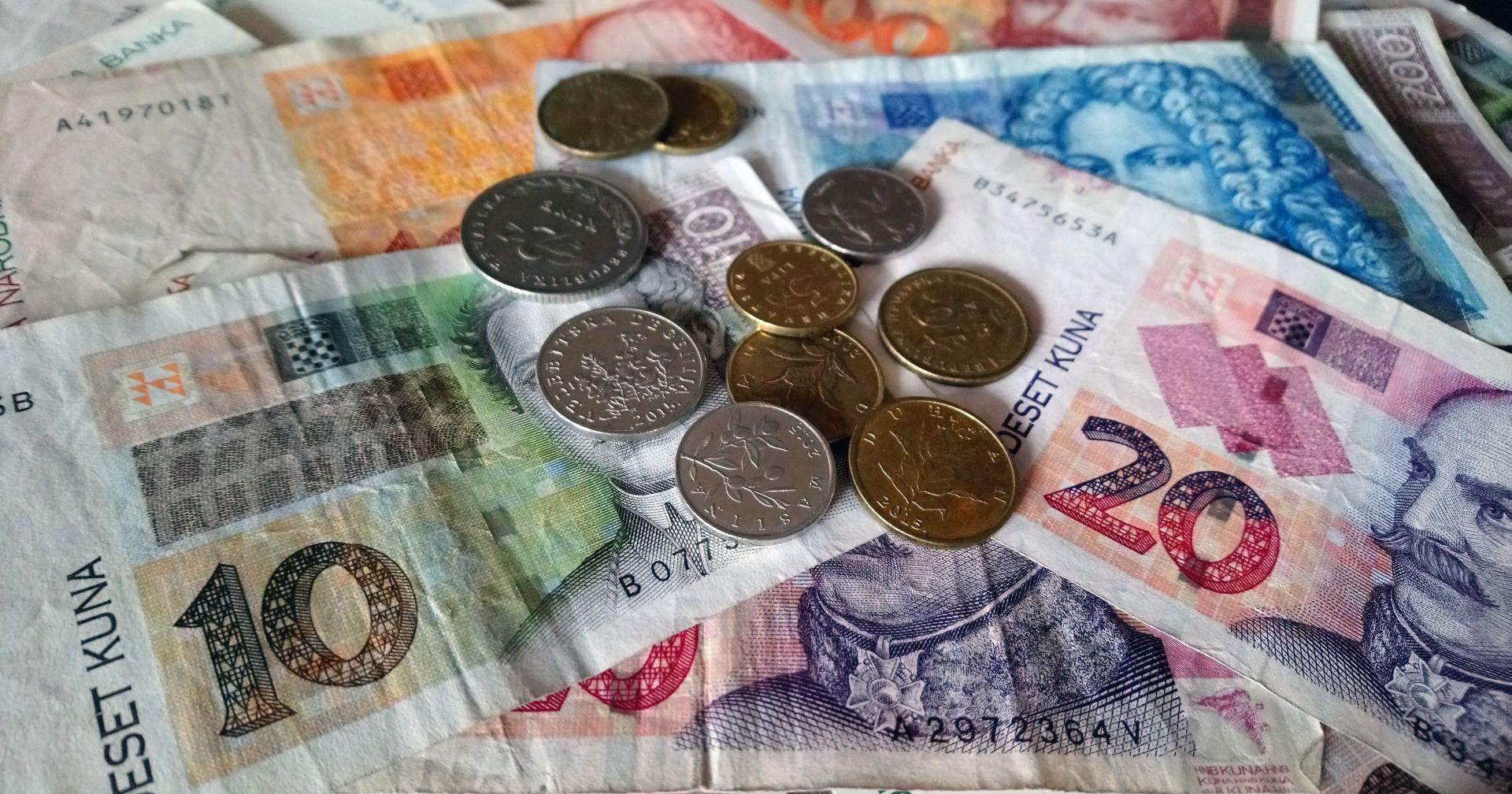 BOŽIĆNICE Konzumov radnik 1000, Lidlov 1500 a HEP-ovac 1200 kuna…
