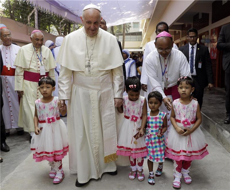 Papa u Bangladešu posjetio sirotište koje je osnovala Majka Tereza