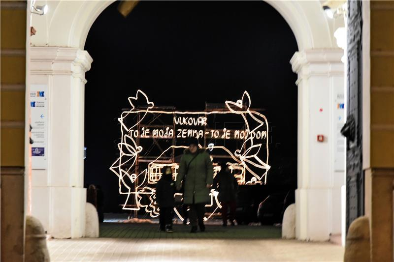 Počele Vukovarske adventske svečanosti i Advent u Vukovaru