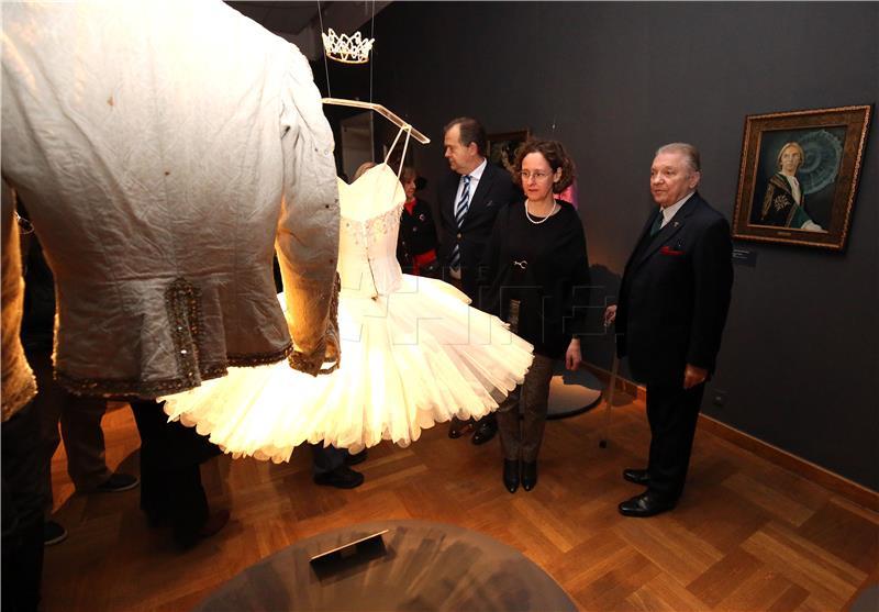 Otvorena izložba donacija baletnog umjetnika Jelka Yureshe