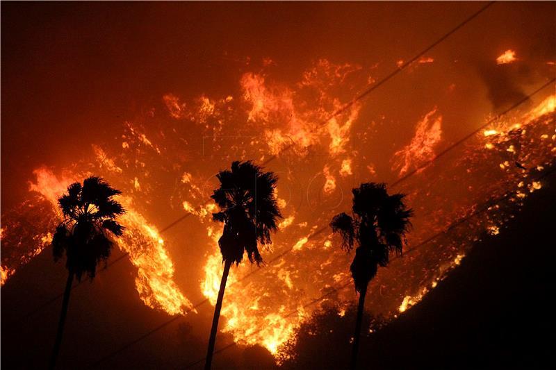 Zbog požara evakuirane tisuće stanovnika južne Kalifornije