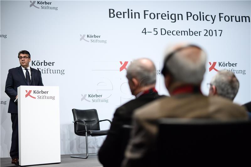 GABRIEL 'Njemačka treba slijediti svoje, a ne američke interese'