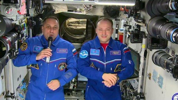 """VIDEO Ruski astronauti: """"Mnogo kozmičkog zdravlja svima na Zemlji"""""""