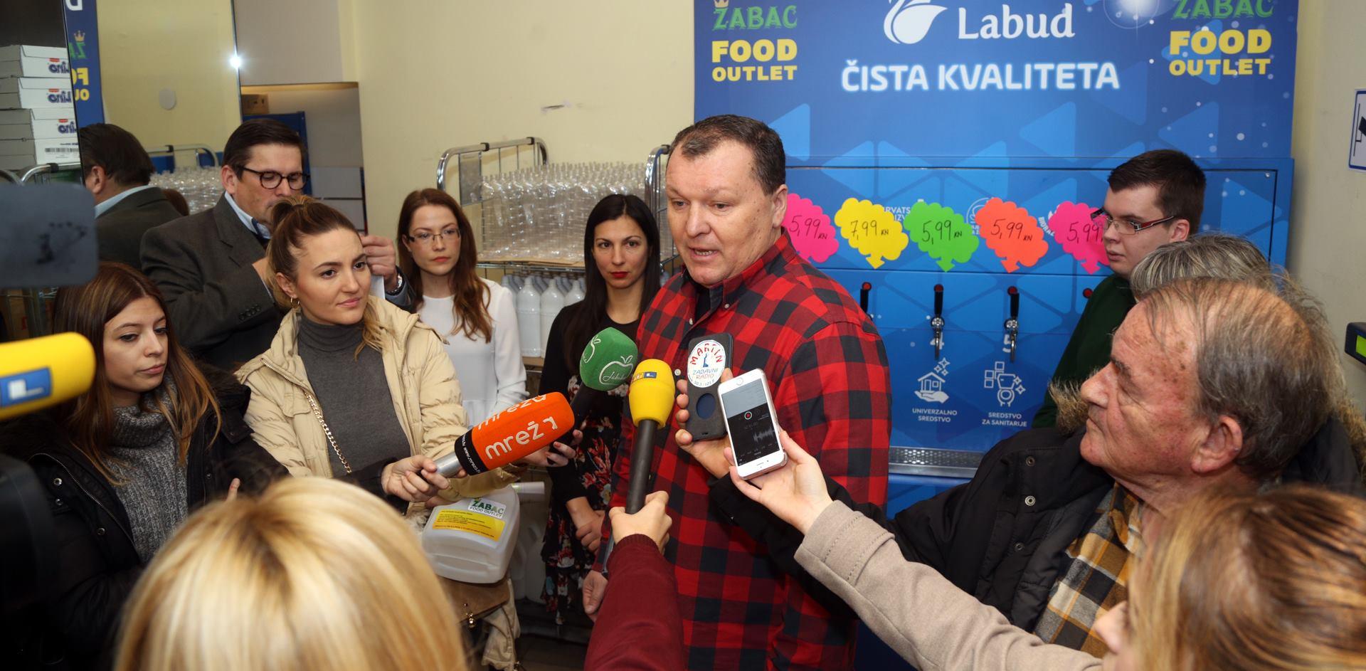 FOTO: FOOD OUTLET ŽABAC Hrvatski aparat s Labud deterdžentima u rinfuzi