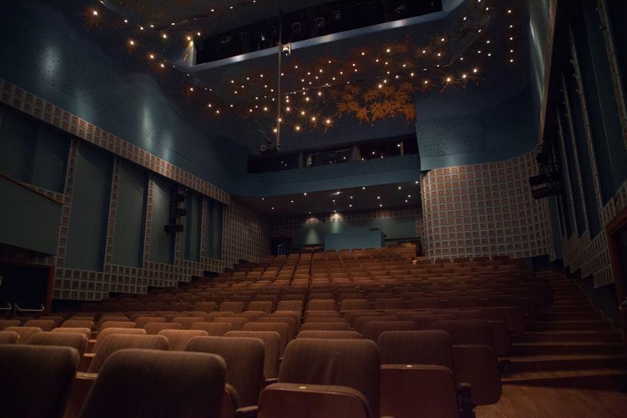 U kazalištu o kazalištu: zavirite iza kulisa kazališta Trešnja