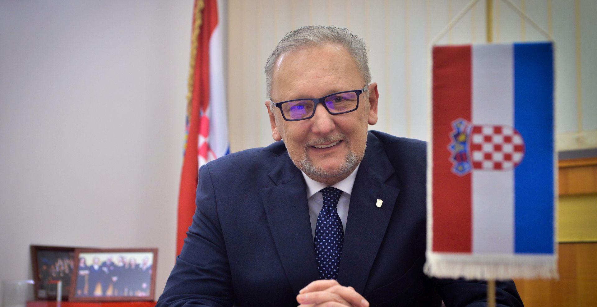 Božinović predstavio novosti oko registracije
