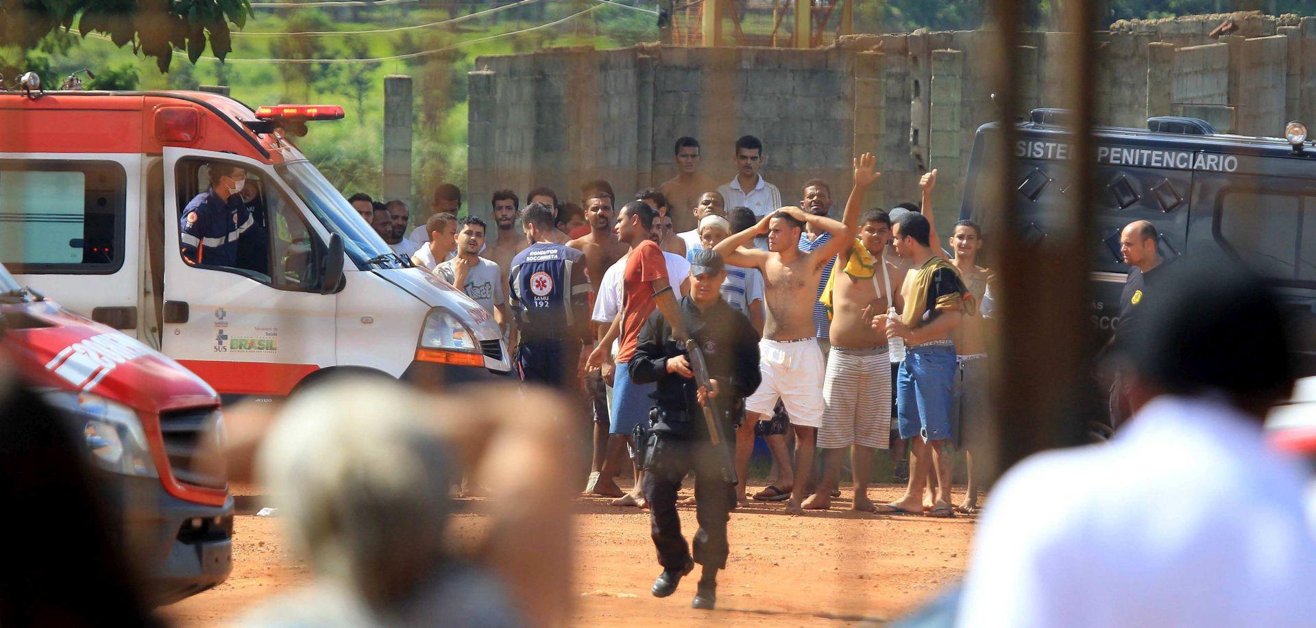 Najmanje devet ubijenih u pobuni, 100 zatvorenika pobjeglo