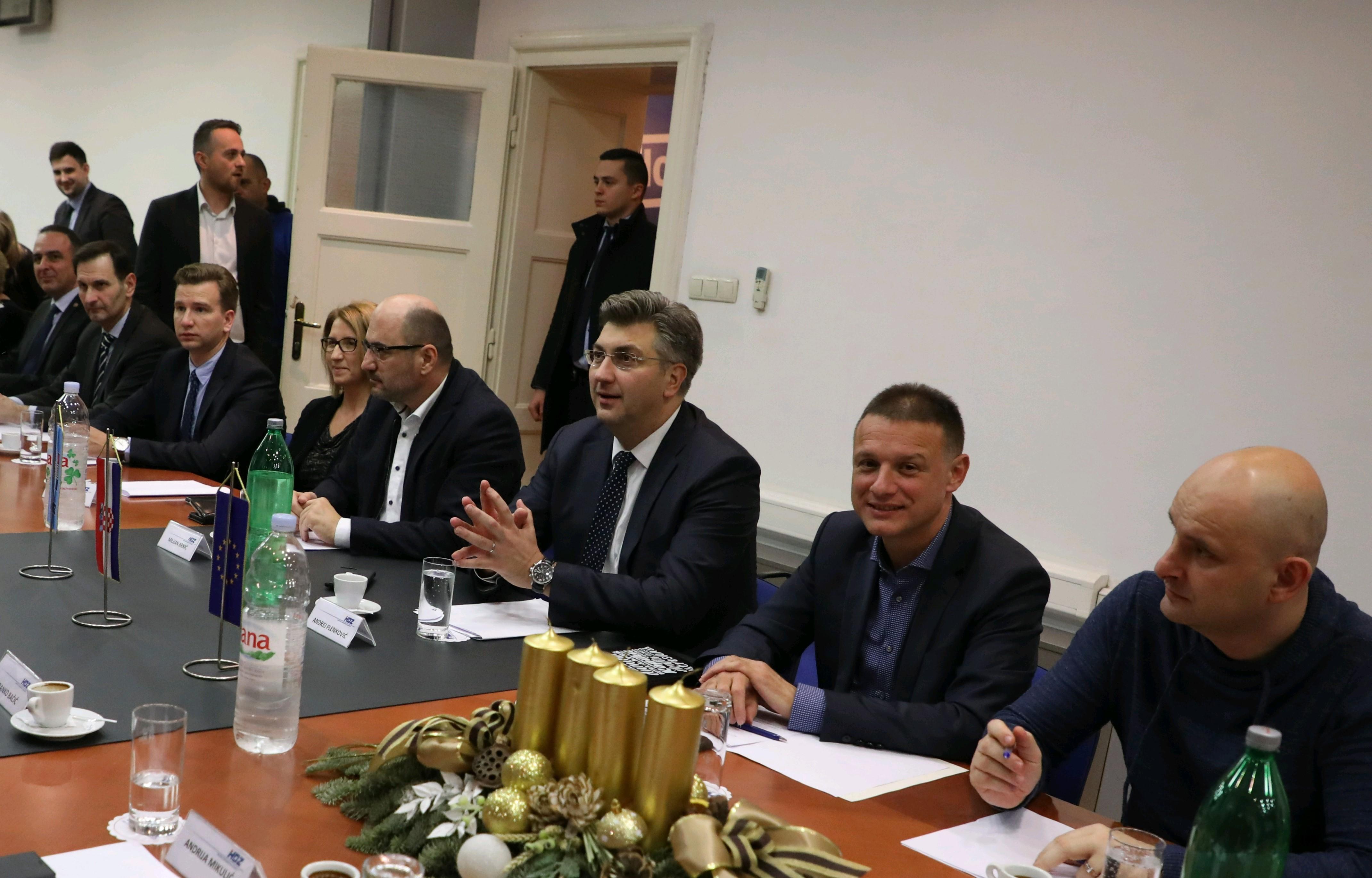 HDZ odlučuje o Tomaševiću, Milinoviću i drugim pitanjima