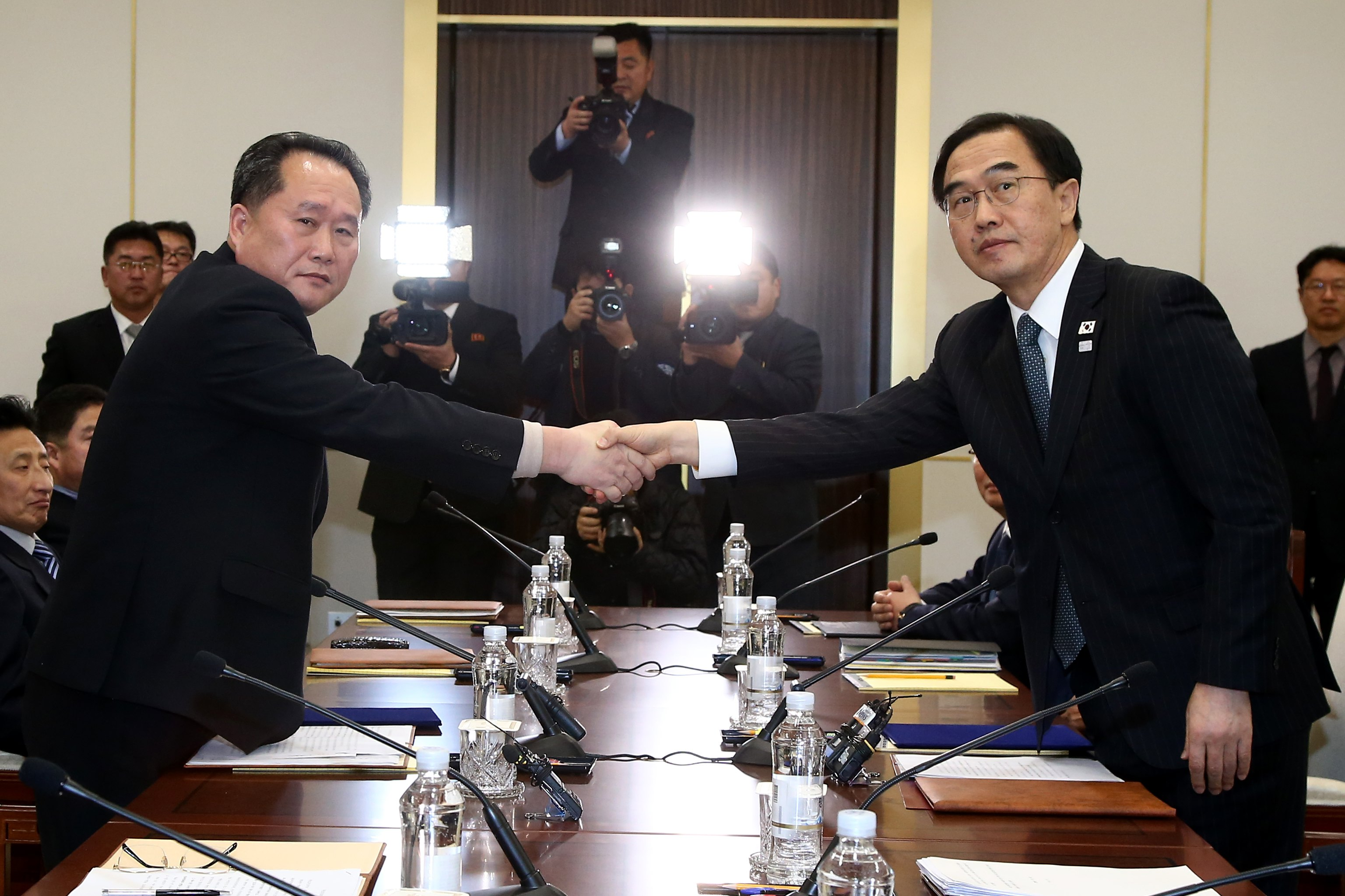 Sjevernokorejski diplomat u Finskoj na susretu s Amerikancima
