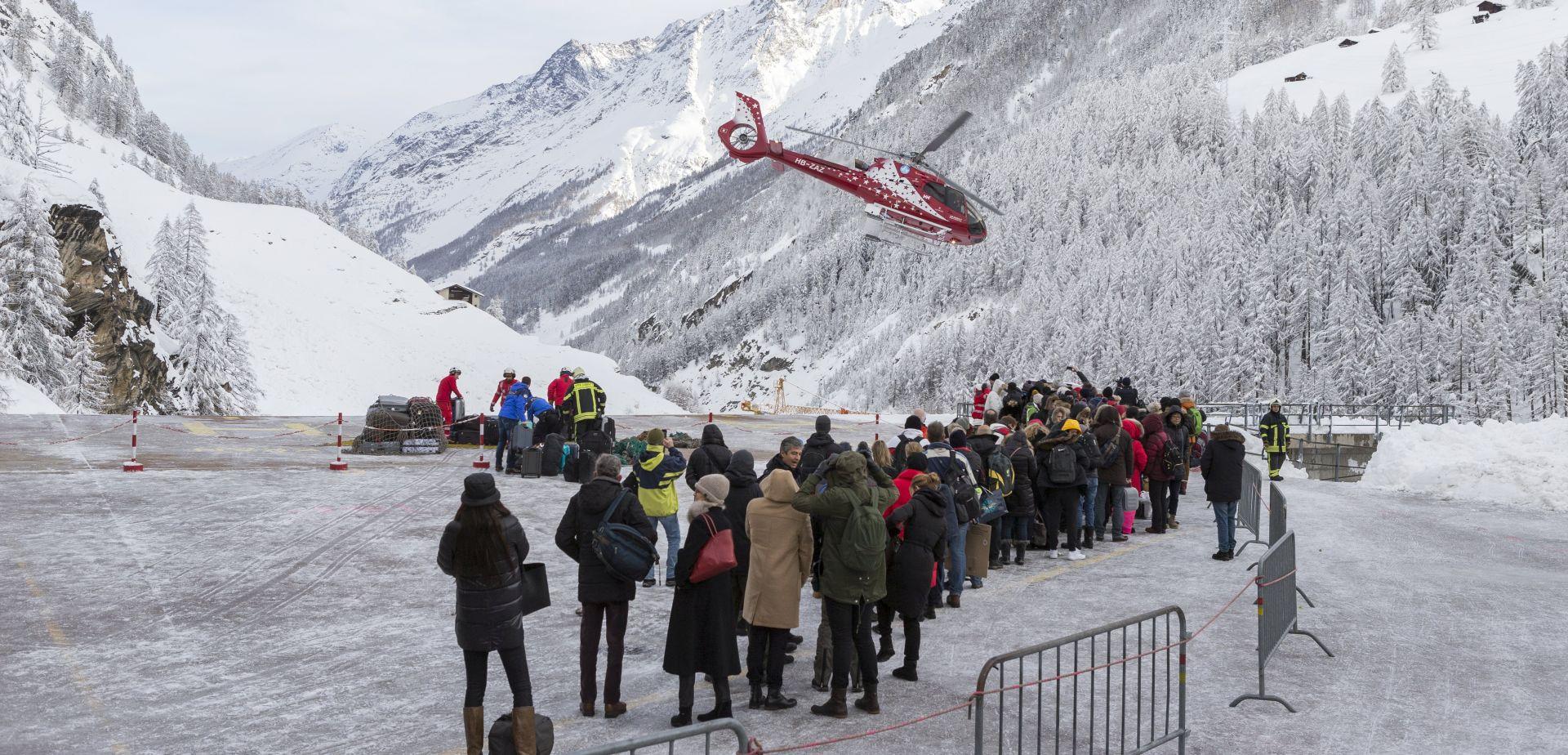 Počela zračna evakuacija turista blokiranih u švicarskim Alpama
